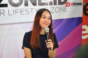 Gloria Jessica mengunjungi kantor UZONE / © Ari Setiyawan