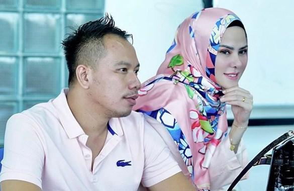 Nikah Siri, Angel Lelga dan Vicky Prasetyo Makan Lesehan Pakai Daun