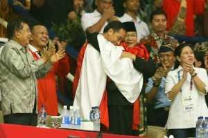Pesilat Hanifan Peluk Jokowi-Prabowo Bersamaan