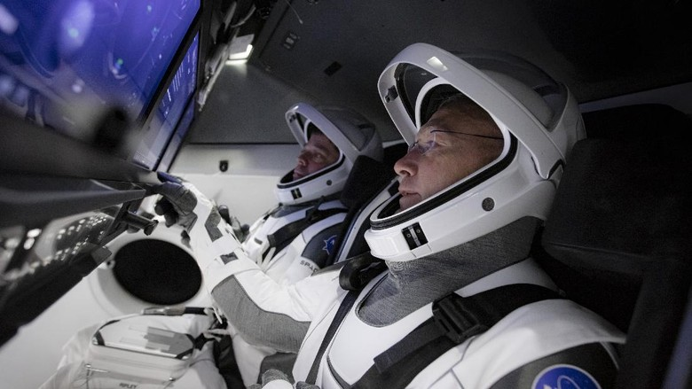 Intip Isi Kabin Pesawat Luar Angkasa SpaceX
