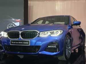 BMW Luncurkan Seri 3 Terbaru, Driving the Legend