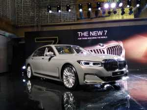 Gak jadi Dipakai Jokowi, BMW Seri 7 Dijual untuk Umum