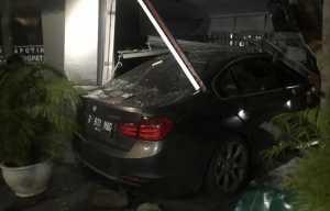 BMW 335i F30 diboyong langsung dari Jerman untuk dijual di Indonesia.