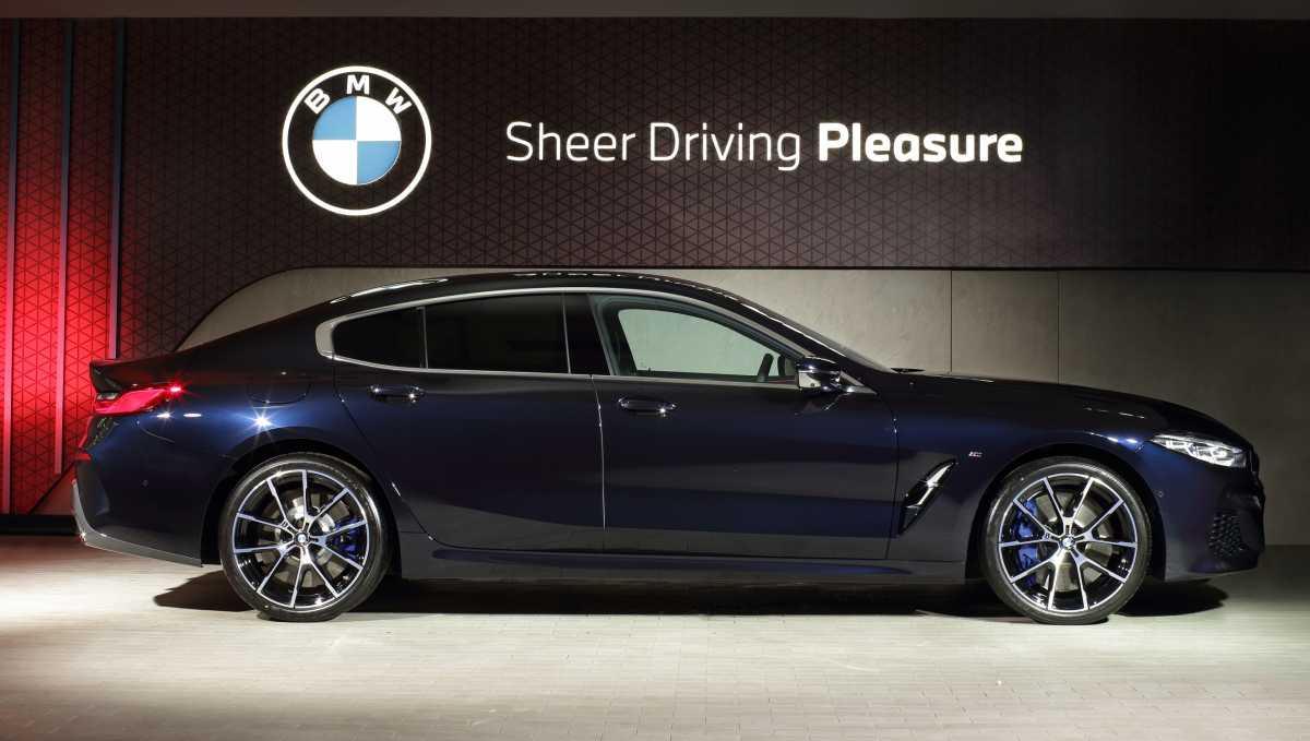 FOTO: Eksterior dan Interior BMW 840i M Technic yang Mewah