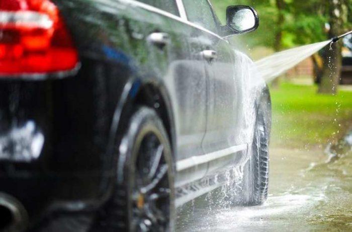 5 Akibat Buruk Ngebiarin Mobil Kotor Sehabis Ujan-ujanan