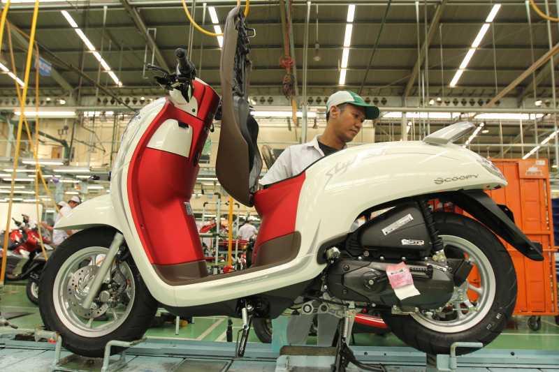 Sambut HUT RI, Honda Scoopy Merah Putih Mengaspal