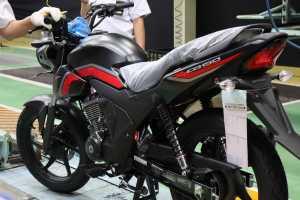 Honda Ferza Baru, Enak Ya Pabrikan Motor, Modal Ganti Warna Bisa Laku