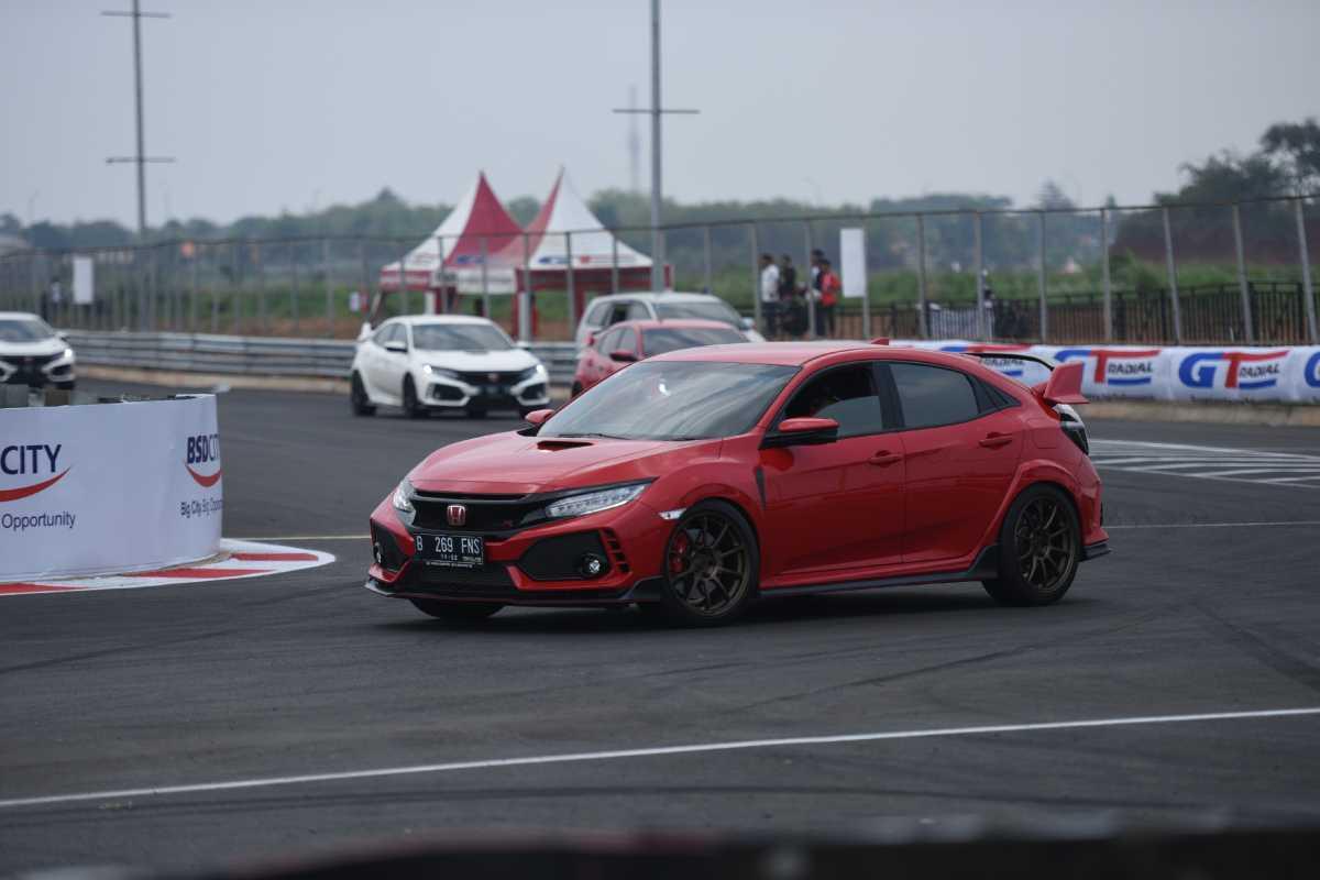 Pengguna Civic Type R Difasilitasi Sirkuit Gratis oleh Honda