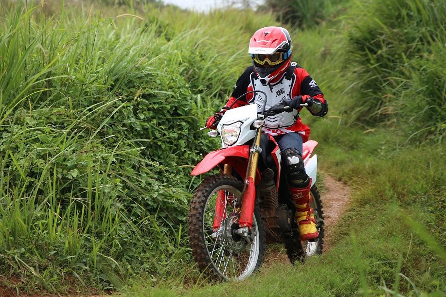 Riding Gear yang Tepat Saat Berkendara Off Rad