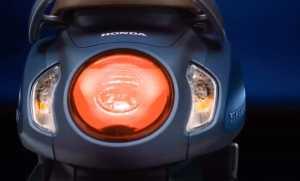 Begitu juga lampu belakang yang terpisah dari sein (Uzone.id)