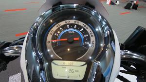Area speedometer dan digital meter masih asli.