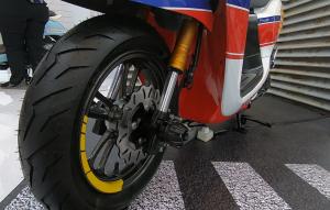 Ban pakai Pirelli Diablo Rosso FR 120 / 70 12