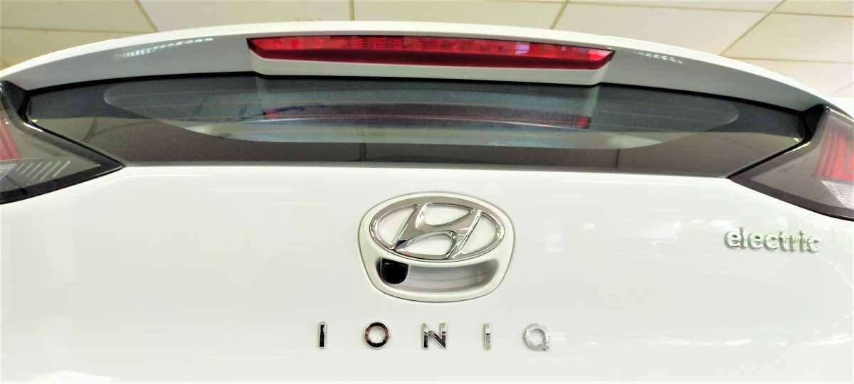 Servis Hyundai Ioniq Electric dan Kona Electric Bisa 1 Tahun Sekali