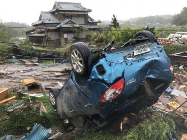 Mengenaskan, Ini Deretan Mobil Korban Amukan Badai Hagibis di Jepang