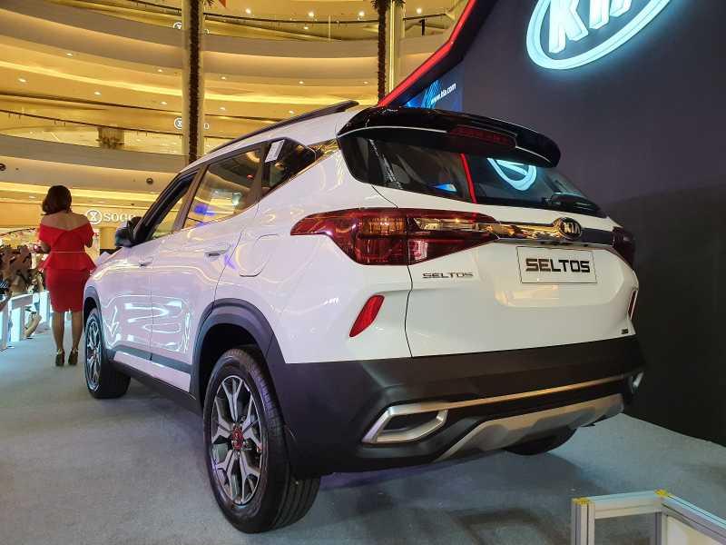 Perbandingan Harga Kia Seltos dan Wuling Almaz juga Honda HR-V