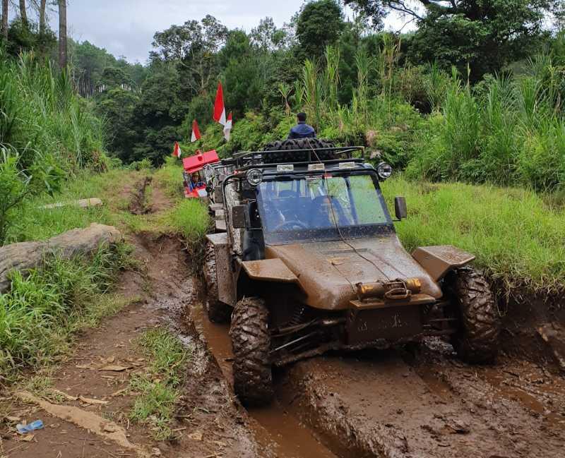Test Drive: Mandi Lumpur Pakai Mobil PUBG Buatan Indonesia