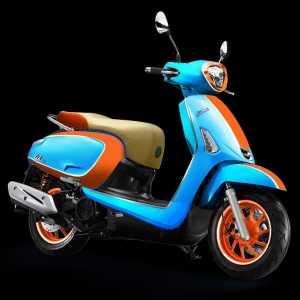 perpaduan biru muda, oranye dan cokelat