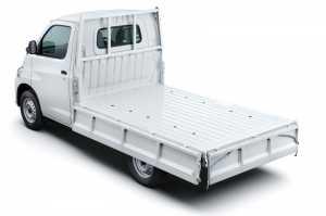 Tersedia paket penggerak 2WD dan 4WD.