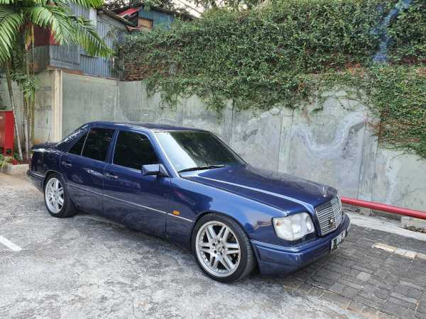 Review Mercedes-Benz Masterpiece E320 1996, Bekas (Masih) Berkelas?