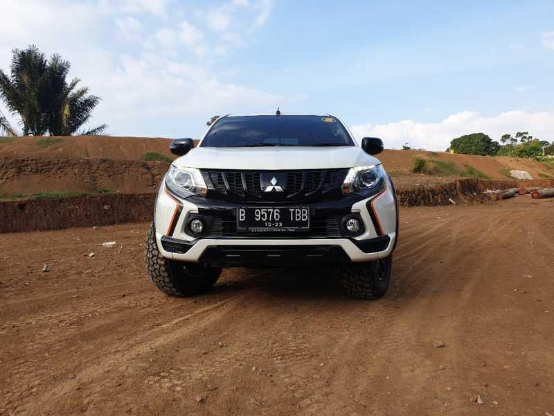 Test Drive Mitsubishi Triton Athlete, Pikap Kok Gaul Begini..