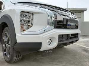 Bumper sudah ditambahkan bodikit baru perpaduan hitam dan warna putih (Bagja -Uzone.id)