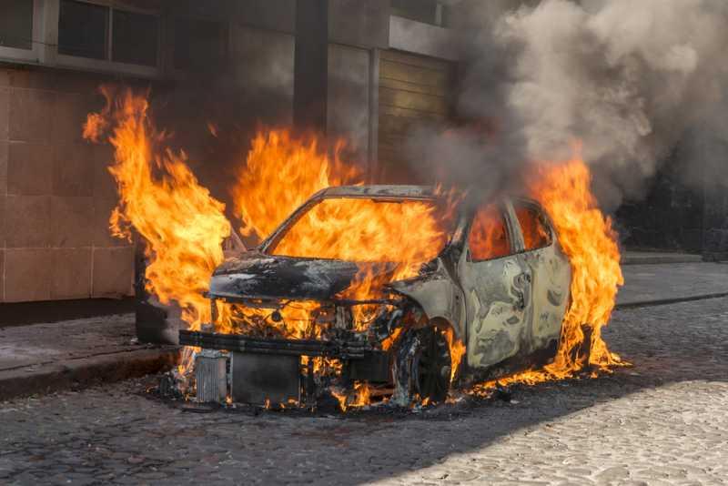 Teror Pembakaran Mobil, Gimana Asuransi Melindunginya?