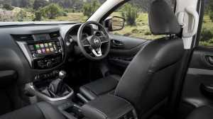 Nissan Navara facelift pakai head unit 7