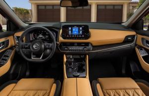 Pakai layar sentuh 9 inci terdapat Nissan Connect dan Android Auto, Apple Carplay, Siri, dan Google Assistant,