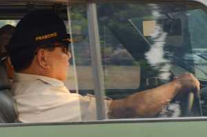 Pindad Maung merupakan kendaraan taktis 4x4.