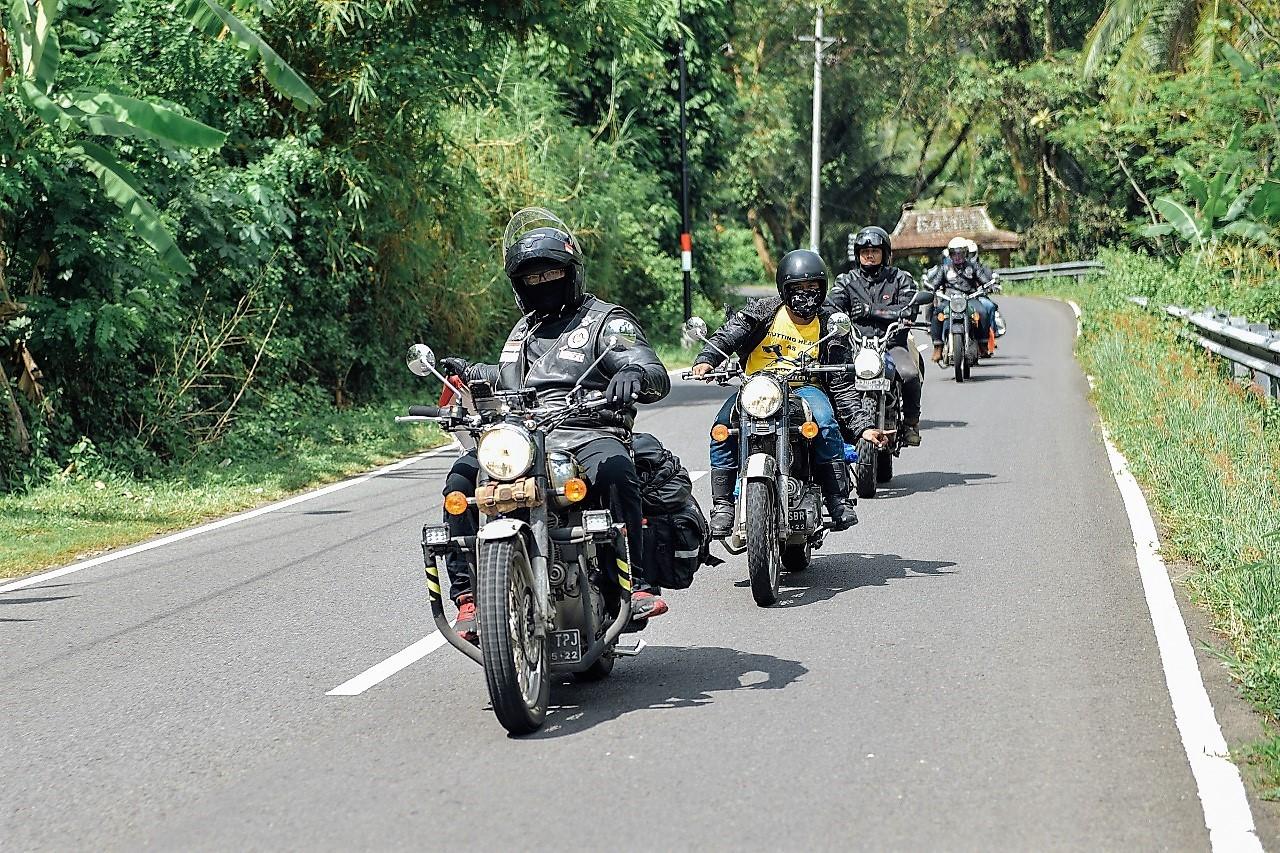 Touring 1.200 KM Membelah Jawa untuk Pahlawan