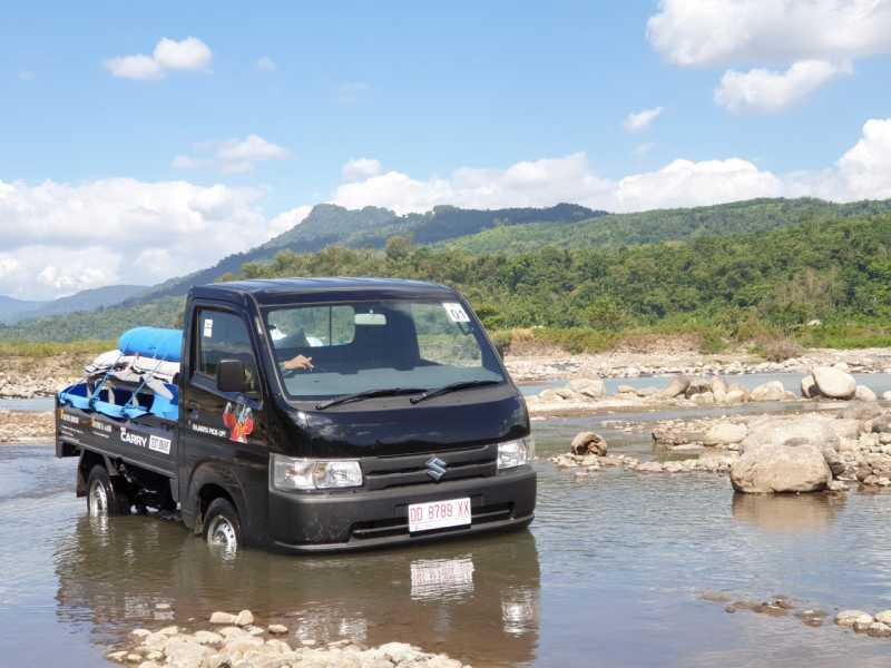 Jajal Suzuki New Carry, Libas Sungai dan Gunung Makasar