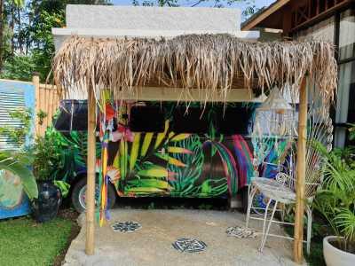 Review VW Combi Rasa Hotel Sejutaan, Sensasi Nginep di Kabin Mobil!