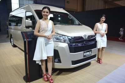 GIIAS 2019: All New HiAce Premio, Ketika Alphard Masih Kurang Lega