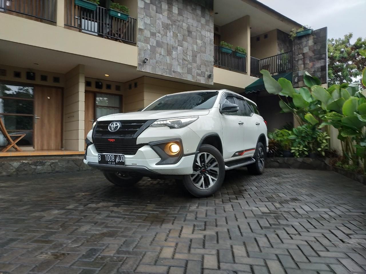 Berburu Mobil Baru Toyota dengan Diskon Seratus Juta!