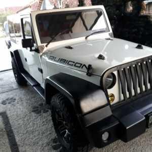 Jeep Rubicon empat pintu saat ini dijual Rp1,6 miliar.