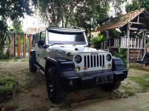 Rudi Didrika, pria asal Lampung, berhasil memodifikasi Toyota Kijang menjadi Jeep Rubicon.