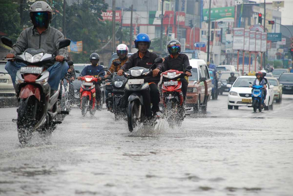 Mulai Musim Hujan, Nih 5 Persiapan Buat Bikers