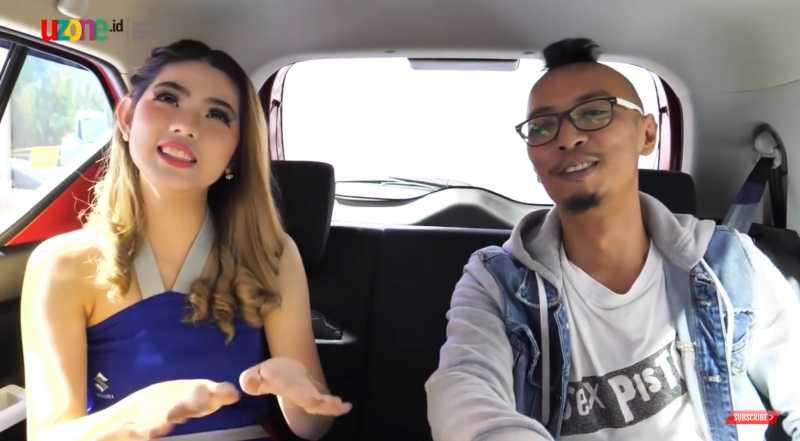 IIMS 2019: Video Intim Bareng SPG, Sepaham Apa Mereka Dengan Mobilnya?