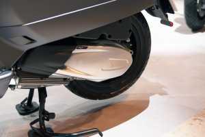 Vespa GTV Sei Giorni  II Edition  pakai mesin 300cc silinder tunggal.