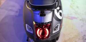 Vespa GTV Sei Giorni  II Edition menggunakan LED di lampu ekor.