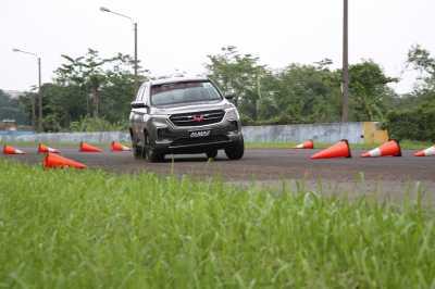 Review Performa dan Handling Wuling Almaz SUV yang Ngeselin