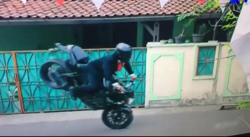 Sadis! Jokowi Freestyle Pake Mogeke Opening Asian Games 2018