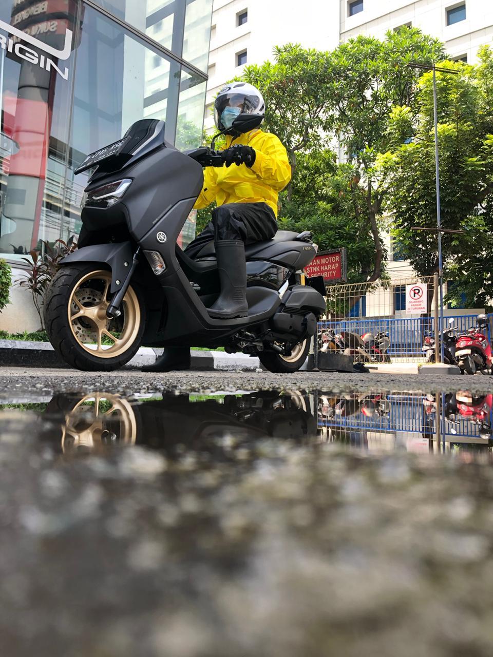Tips Riding Naik Motor Saat Musim Hujan