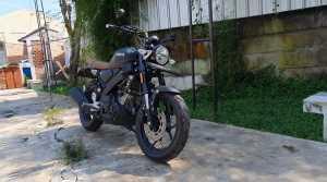 Secara tampilan, motor ini emang udah pas banget buat penyuk motor retro dan motor custom (Bagja - Uzone.id)