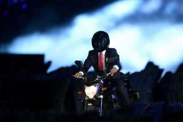 Viral Aksi Jokowi di Opening Asian Games 2018: No Political #BerkaryaAtauLapar
