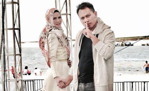 Angel Lelga dan Vicky Prasetyo Gelar Akad Nikah Usai Salat Jumat