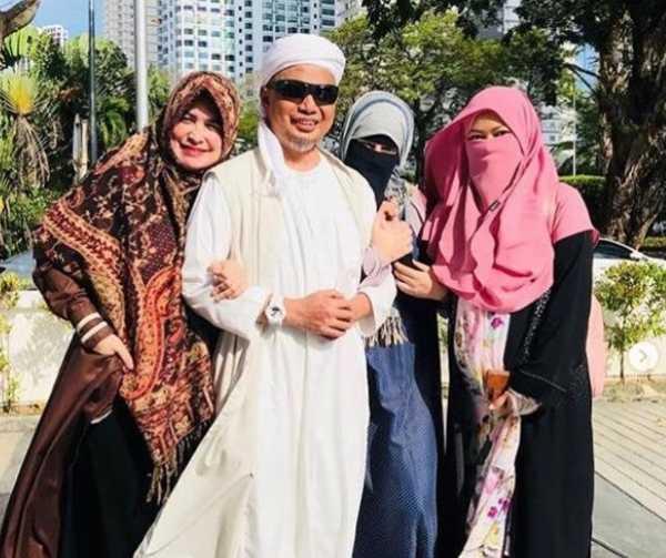 Ustaz Arifin Ilham Meninggalkan 3 Istri dan 8 Anak