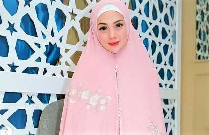 Didoakan Jadi Mualaf Setelah Pakai Hijab Syar\'i, Ini Kata Celine Evangelista