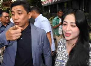 Dewi Perssik dan Sandy Arifin