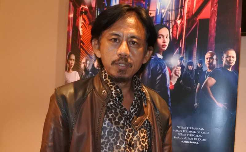 Epy Kusnandar Menangis di Gala Premiere 'Preman Pensiun'